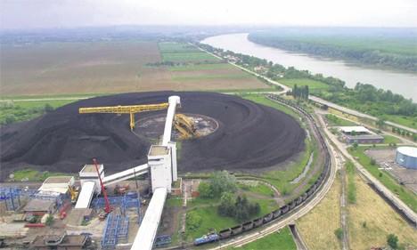 Претпоставља се да су узрок отпадне воде са пепелишта електране, из канализације и септичких јама, као и вештачко ђубриво са њива (Фото Фонет)