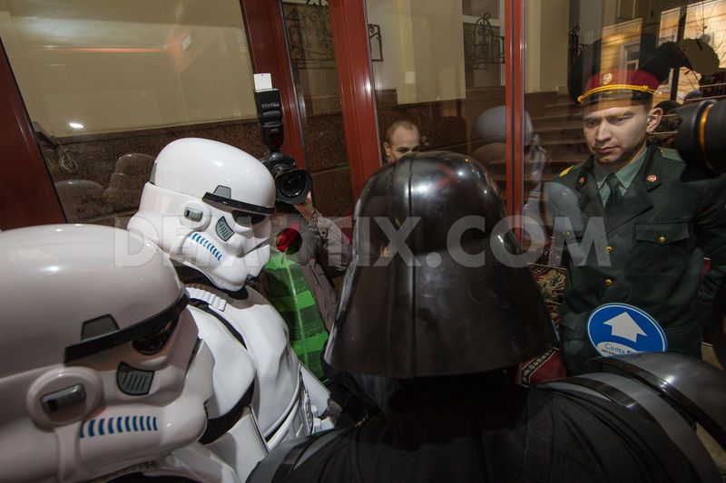 kiev-darth-vader-states-his-party-offices-for-the-internet-party