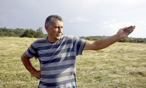 Наоружани Албанци краду шуму и стоку: Часлав Милошевић