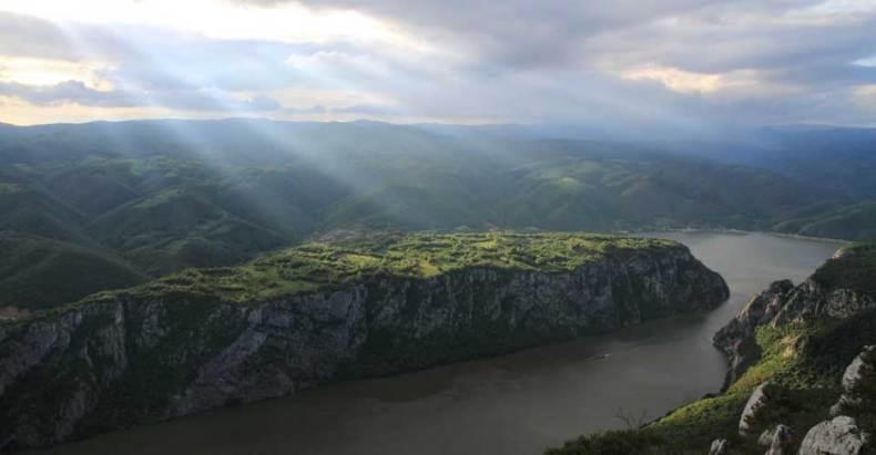 Kanjoni i klisure Kazan-sa-velikog-strbca-maj-2010-02-790x411
