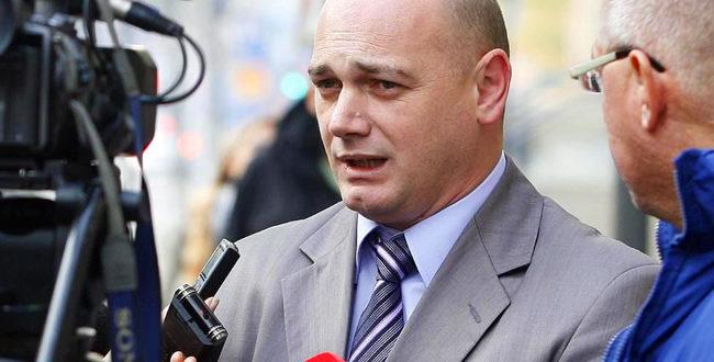 Крстимир Пантић: Албанци користе оружје, а ми оловку