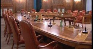 Србијом управља 7.553 саветника, који ће нам к***ц влада и министарства?