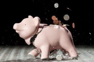 Дневно трошили милијарду динара преко буџета 8