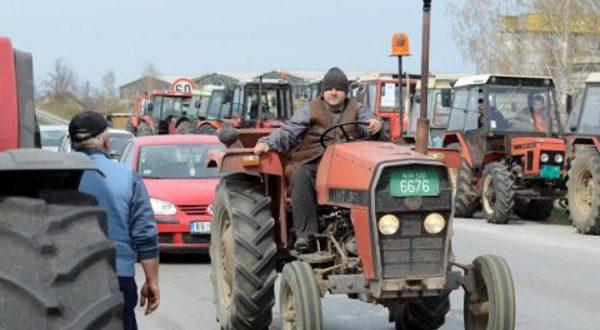 После огромног притиска јавности НАПРЕДНА БАНДА одустала од пререгистрације трактора 1