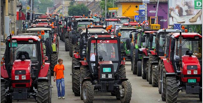 СЕЉАЧКА БУНА: Тракторска блокада путева у 107 градова