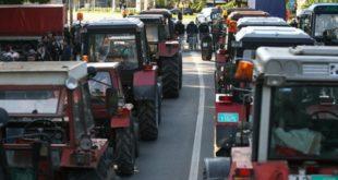 Тракторске блокаде у Војводини и централној Србији 2