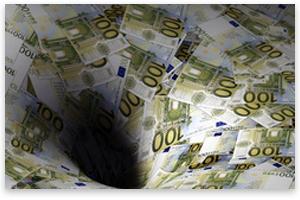 Зона евра у дужничкој црној рупи