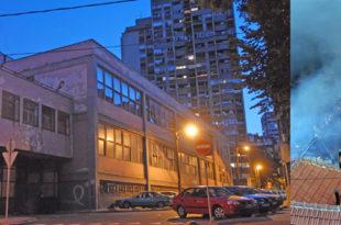 ИКЛ: Празне зграде и стомаци