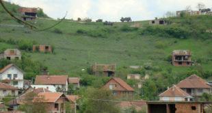 КиМ: У Брђанима мирно, али напето 8