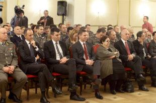 Ди Паола, Соња и кукавна српска војска
