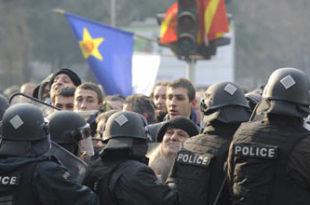 Македонска опозиција ће блокирати све важне путеве у земљи