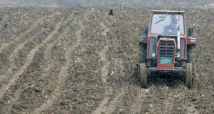 Пољопривредници: Политика гора од суше 8