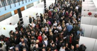 """Незапосленост """"смањена"""" захваљујући раду на црно, сезонцима и брисању са евиденције НСЗ"""