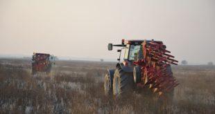Теже од рада на њиви: Нови правилници збуњују пољопривреднике 12