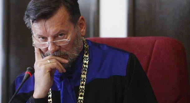 Уставни суд у служби непријатеља Србије