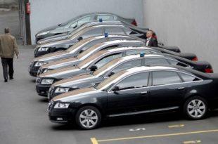Српска сиротиња финансира преко 30.000 службених аутомобила