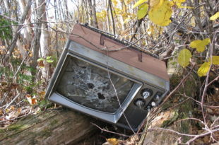 Телевизије са националном фреквенцијом стављене под контролу власти или људи блиских њој 8