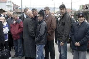 Крагујевац: Друмови излокани као њиве
