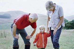 Пензионери издржавају децу и унуке