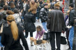 Породица у Србији трипут мање, свака трећа без деце