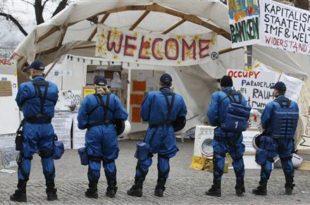 Цирих: Улични нереди бескућника, полиција употребила сузавац