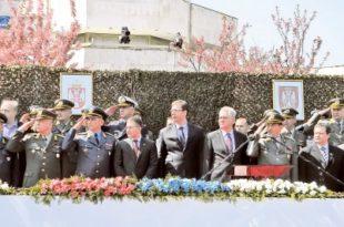 Косовски Срби: И мртвог цара Лазара оскрнавили су војном парадом у Крушевцу