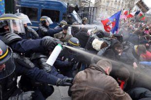 У Француској немири због легализације хомосексуaлних бракова (видео)