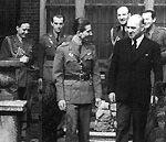 Краљ Петар II са пучистима Радојем и Живаном Кнежевићем