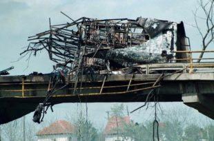 """На данашњи дан: НАТО гађао аутобус """"Ниш-експреса"""", убијено најмање 60 људи укључујући 15 деце"""