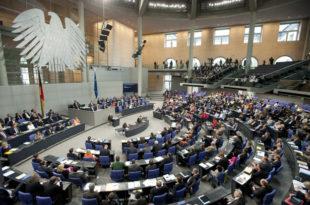 """У Бундестагу и даље скептични око """"датума"""""""