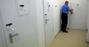 Србија: Одређен притвор за 19 особа због кршења изолације
