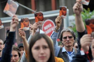 Турски вирус побуне и у Сарајеву! Демонстранти блокирали парламент БиХ