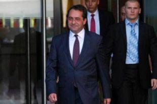 Смејурија: Шиптар Пеци после два дана поднео оставку