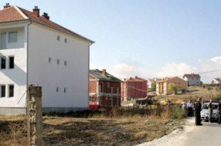 К. Митровица: Срби наставили са окупљањем, стали грађевински радови