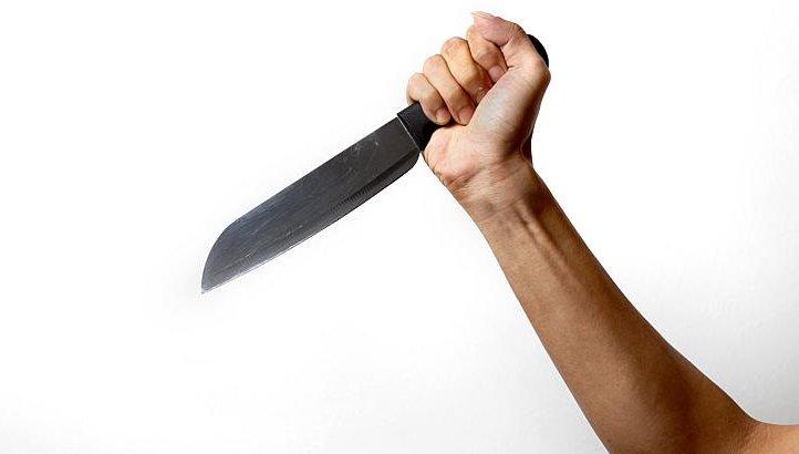Во многих случаях приснившийся нож выступает предсказателем конфликтом в семье.