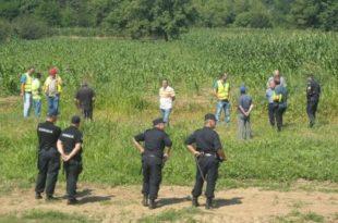 Владајући режим почео да отима земљу сељацима (видео) 8