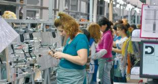 Реструктурирање: Фирме поклањају странцима 10