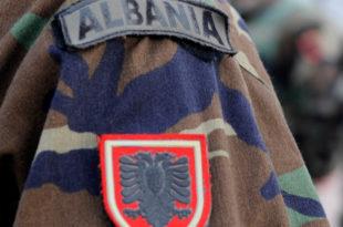 Директан резултат Вучићеве и Дачићеве политике: Албанска војска на Копаонику