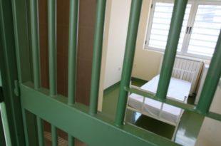 Предлог измене закона - доживотни затвор за убице и силоватеље деце