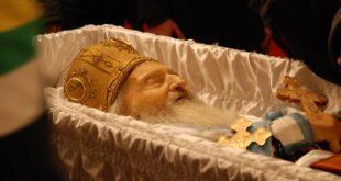 ИЗВОР ИЗ ДРЖАВНЕ БЕЗБЕДНОСТИ: Патријарх Павле отрован, на дан Ђинђићеве сахране! 7