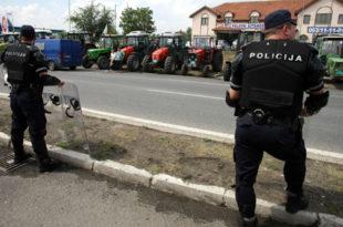 Паори заустављени пред Београдом, блокирали луку Дунав (видео)