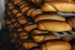 КиМ: Због такси цене скочиле 30%, људи пеку хлеб, не купују