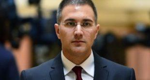 СМЕЈУРИЈА ОД ВЛАСТИ: Министар унутрашњих послова Стефановић седео у истој ложи са шиптаром који је управљао дроном! 4
