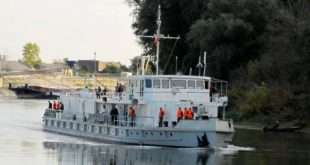 """Након ремонта командни брод речне флотиле """"Козара"""" испловио из апатинског бродоградилишта 11"""