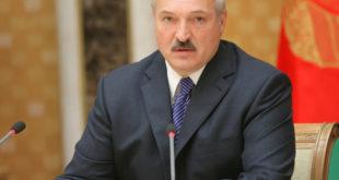 Лукашенко викао на министре: Одакле вам право да народу тражите маске и вакцине! (видео)