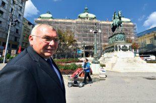 МАРШ СКОТЕ! Вучићев саветник Гузенбауер у сред Београда отворено лобира за независно Косово
