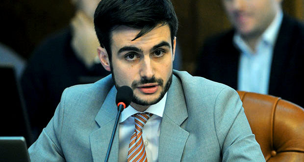 Србијо, сликај се са ИТ сектором и туризмом! ПДВ на ИТ опрему и хотеле са 8 повећан на 20% 1