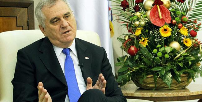 Тома тамани нешто много јаче од бунике! Србија је држава наде, а Вучић је мој политички син
