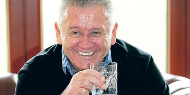 Велимире Илићу, коме је друмска мафија доносила покраден новац у кесама у зграду владе? 1