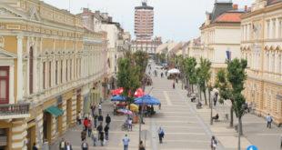 Вучићева безбедна Србија: У Шапцу пљачкају у сред дана наоружани чекићима, ножевима, пиштољима... 2